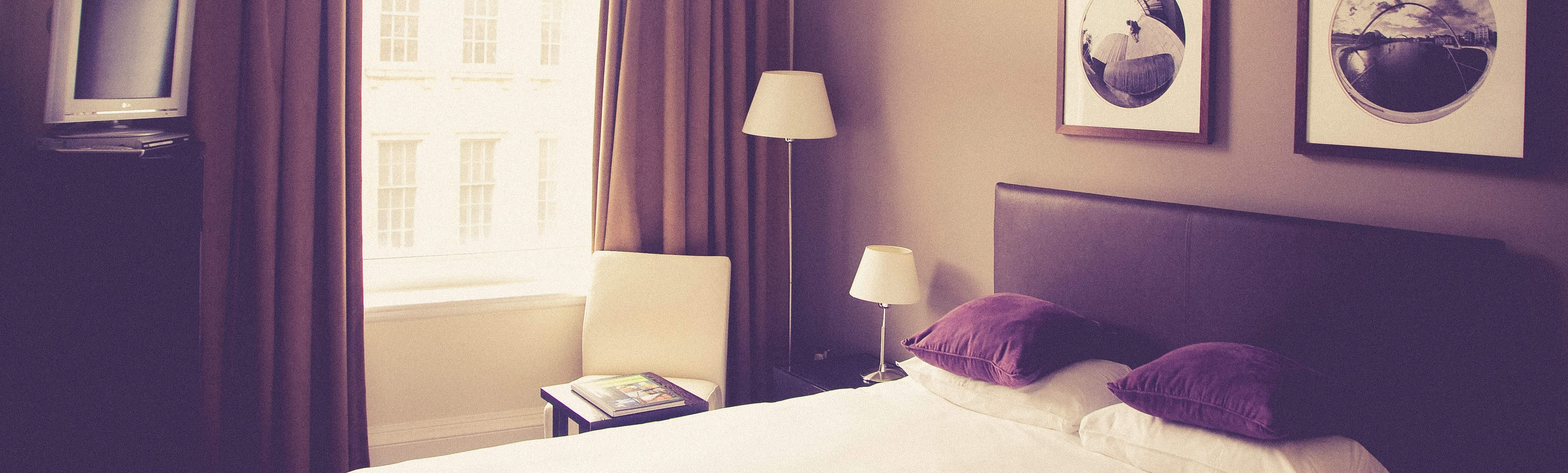 Hostales y hoteles